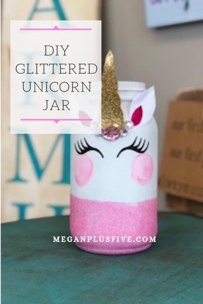 How to make a unicorn mason jar craft. Glittery mason jar that is painted to look like a unicorn.
